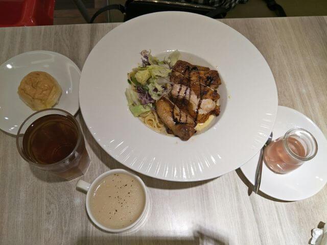 台南童樂島餐點