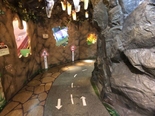 高雄騎士堡山洞