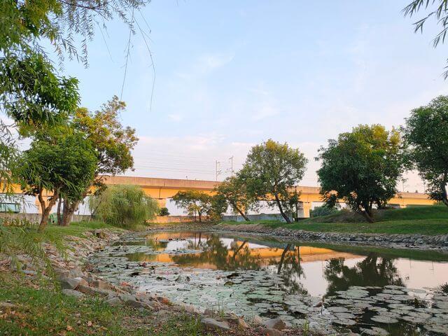 葫蘆埤自然公園高鐵