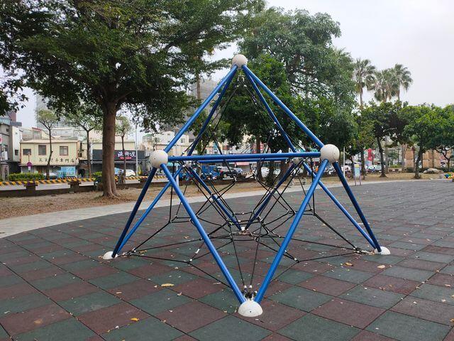 水萍塭公園立體攀爬網