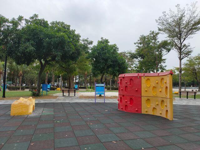 水萍塭公園攀岩