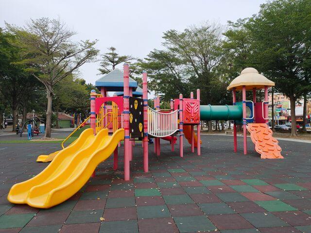水萍塭公園溜滑梯