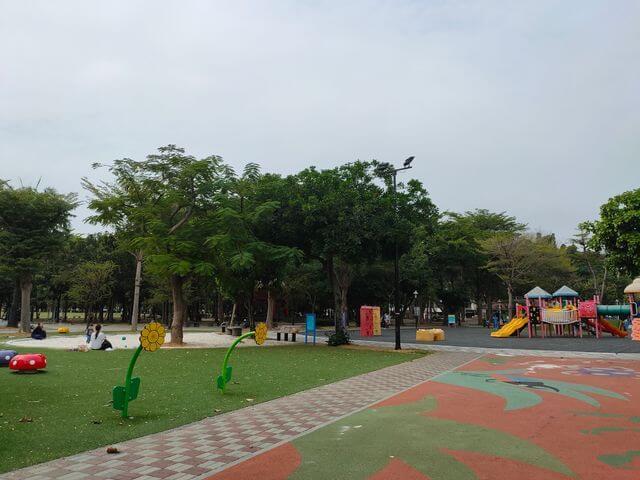 水萍塭公園遊戲區