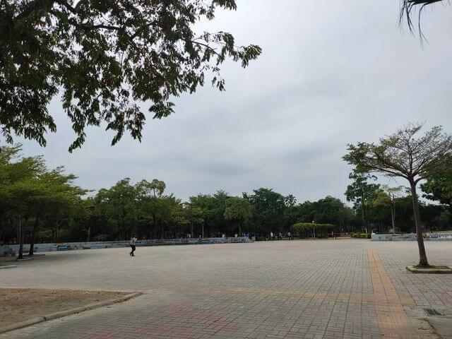 水萍塭公園廣場