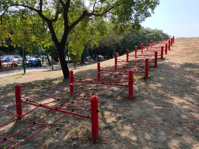 明和公園攀爬網
