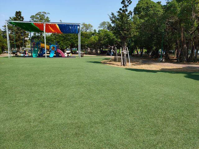 明和公園人工草皮
