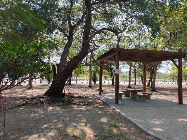 明和公園涼亭