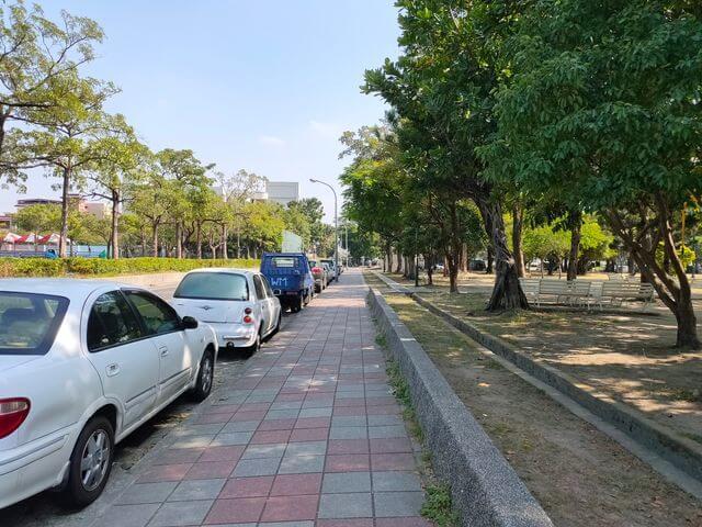 明和公園停車場